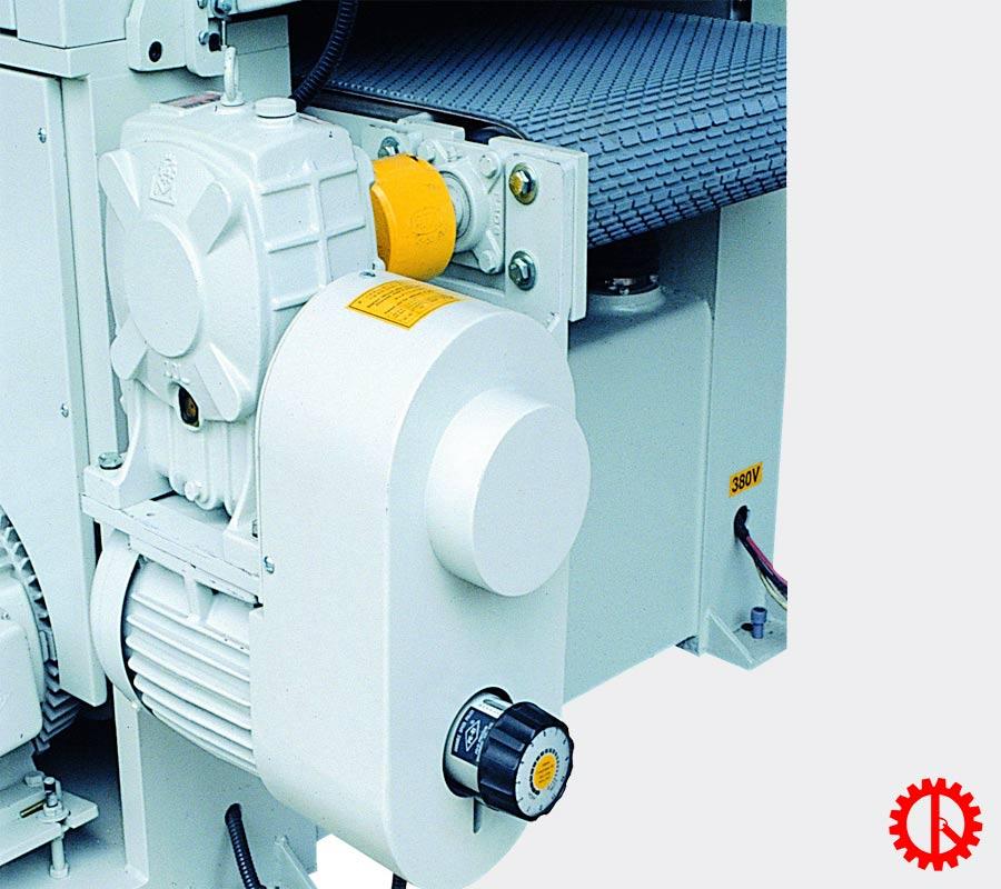 Điều chỉnh tốc độ băng nhám máy chà nhám thùng 1M3 tải nặng PR-1300DDA | Quốc Duy