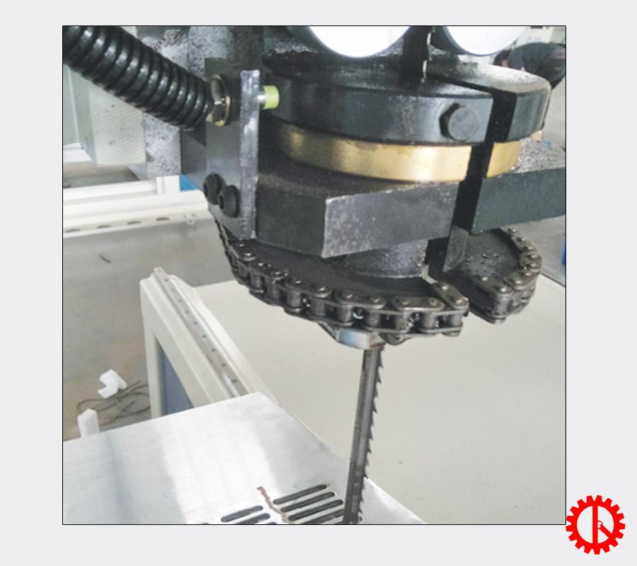Góc nghiêng lưỡi cưa máy cưa lọng lập trình cắt Autocard SDJ-2000 | Quốc Duy
