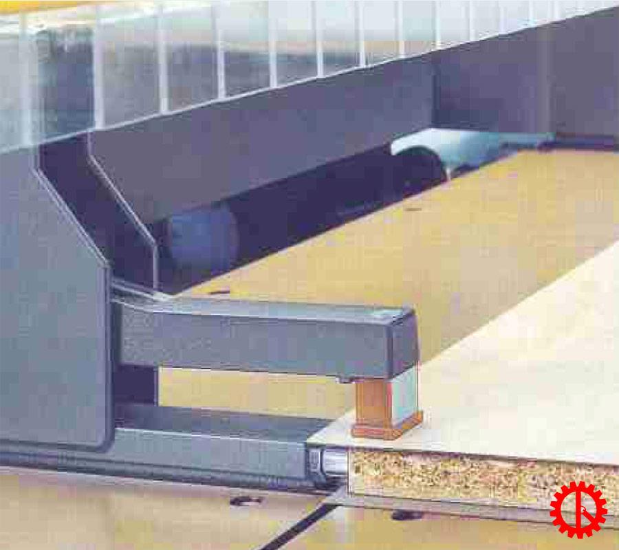Kẹp phôi máy cưa beam saw 2 lưỡi chạy HPP-81SC | Quốc Duy