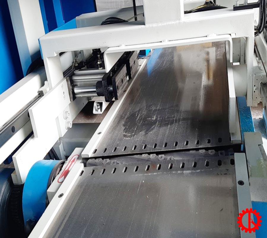 Bàn làm việc máy bào thẩm tự động trục dao xoắn SM-MB504A | Quốc Duy